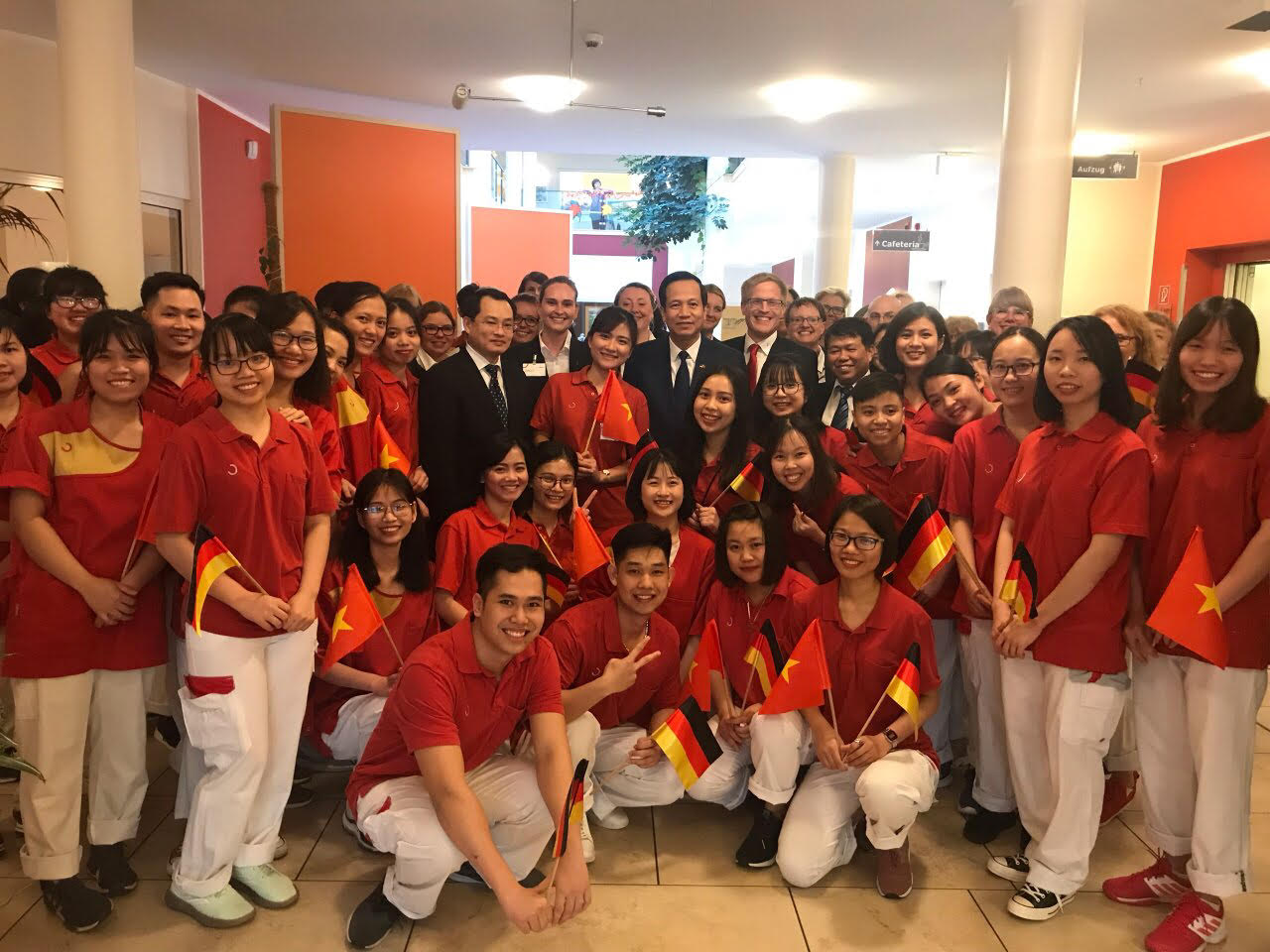 Minister Dao Ngoc Dung: opened opportunities for Vietnamese nurses go to work in Germany