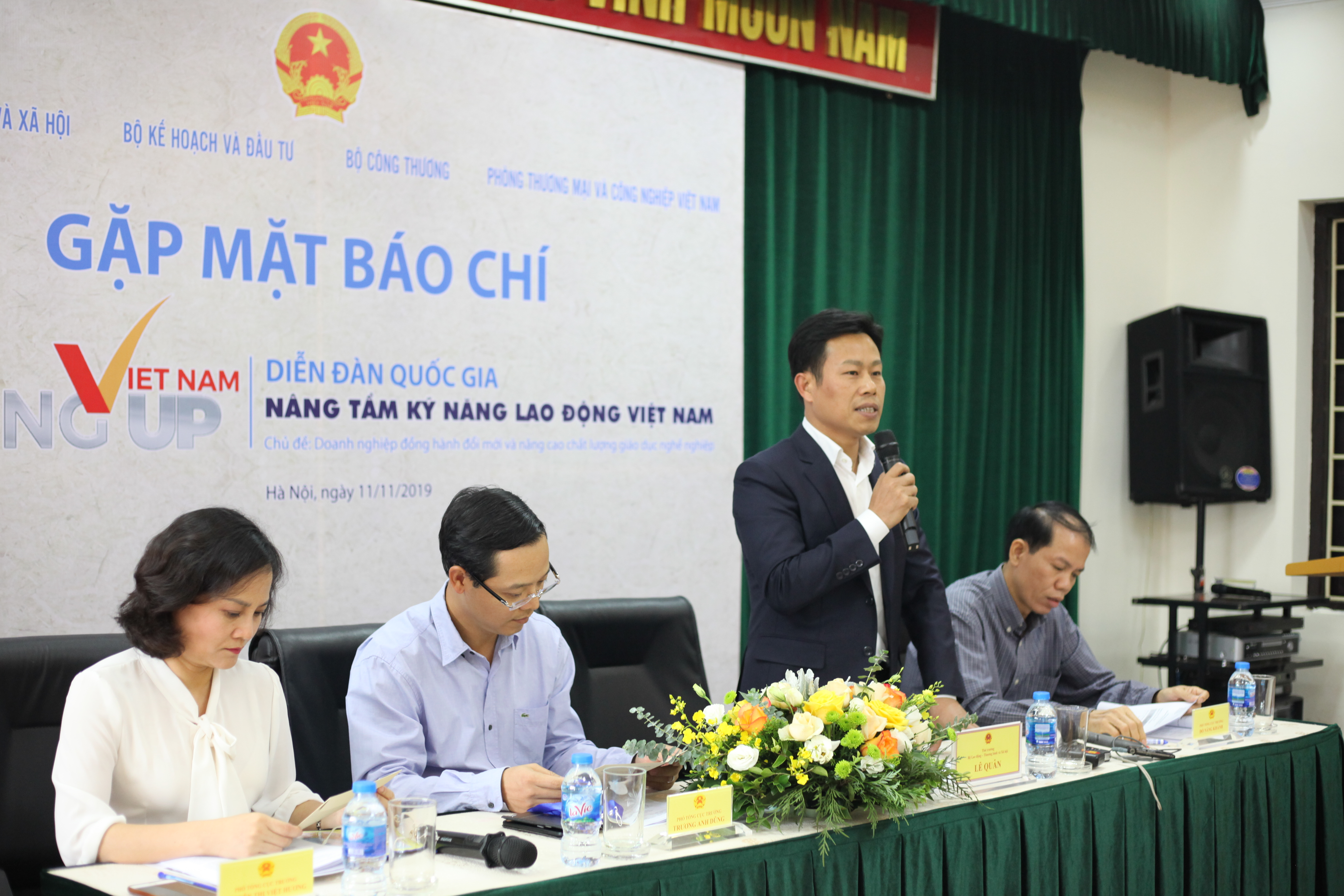 The Prime Minister to chair National forum to discuss improving skills for Vietnamese labourer